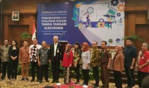 Pemanfaatan dan Kekuatan Hukum Tanda Tangan Elektronik