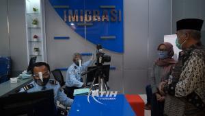Masyarakat Sambut Gembira Pelayanan Pembuatan Paspor di MPP